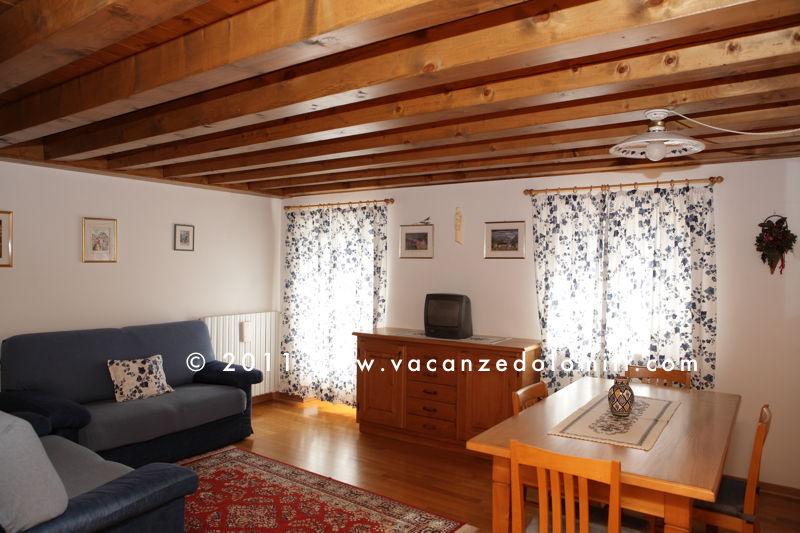 Case vacanza in affitto a cortina d 39 ampezzo e san vito di for Affitti appartamenti