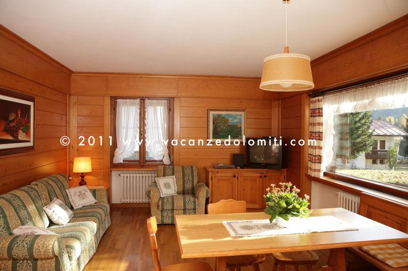 Appartamenti vacanza in affitto a san vito di cadore dolomiti for Case in affitto altamura arredate